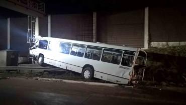 VU mit Bus und LKW A4 - Abschleppdienst Heinrich