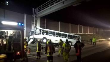 Bus VU mit LKW A$ Rastplatz Frechen - Abschleppdienst Heinrich